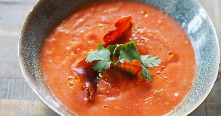 Salmorejo Cordobés: ijskoude, Spaanse tomatensoep (lekkerder dan gazpacho!)