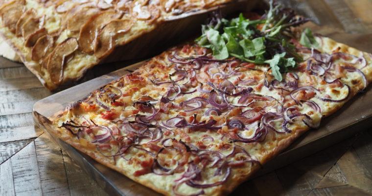 Flammkuchen / tarte flambée – Elzasser Pizza