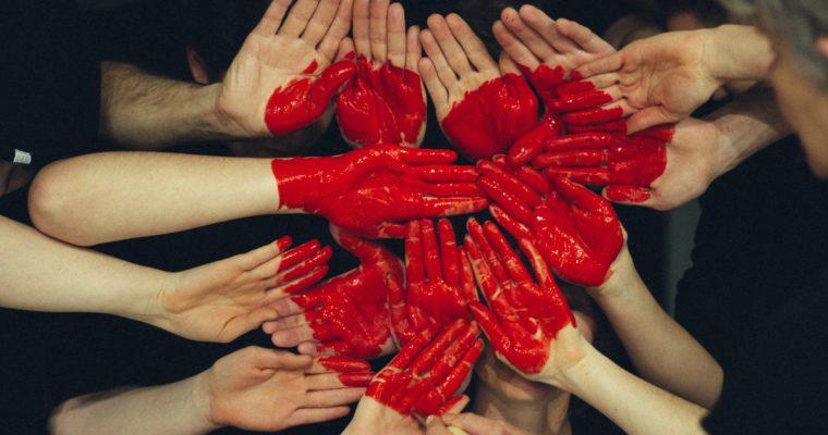 allemaal handen maken samen één hart: steun een goed doel/goede doelen!