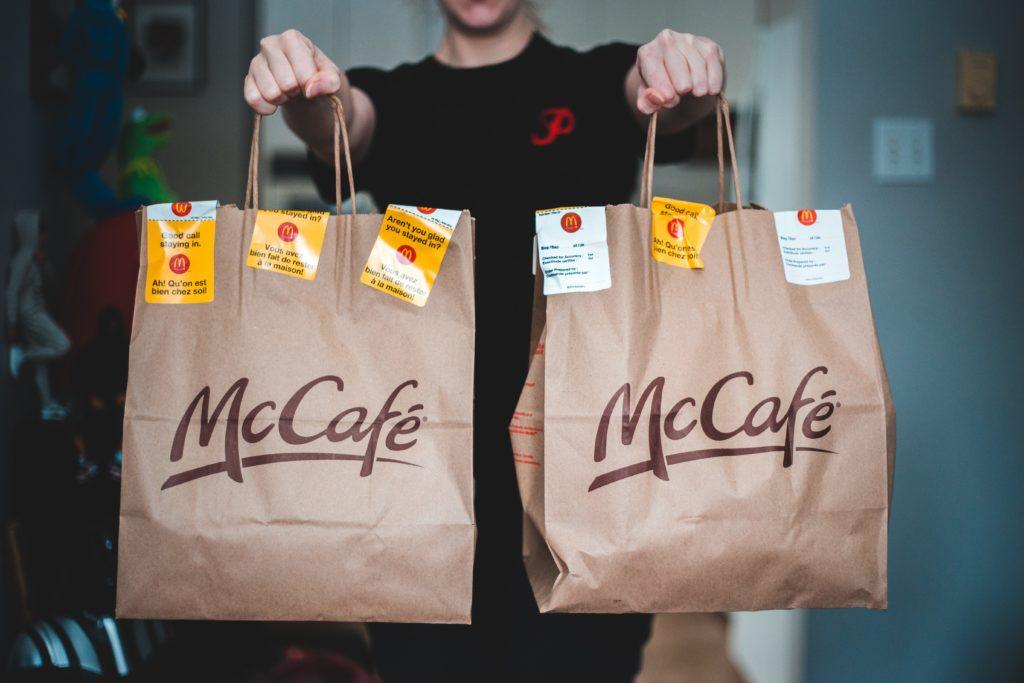 Mccafé tassen x twee. Hier haal je koffie van Mcdonald's