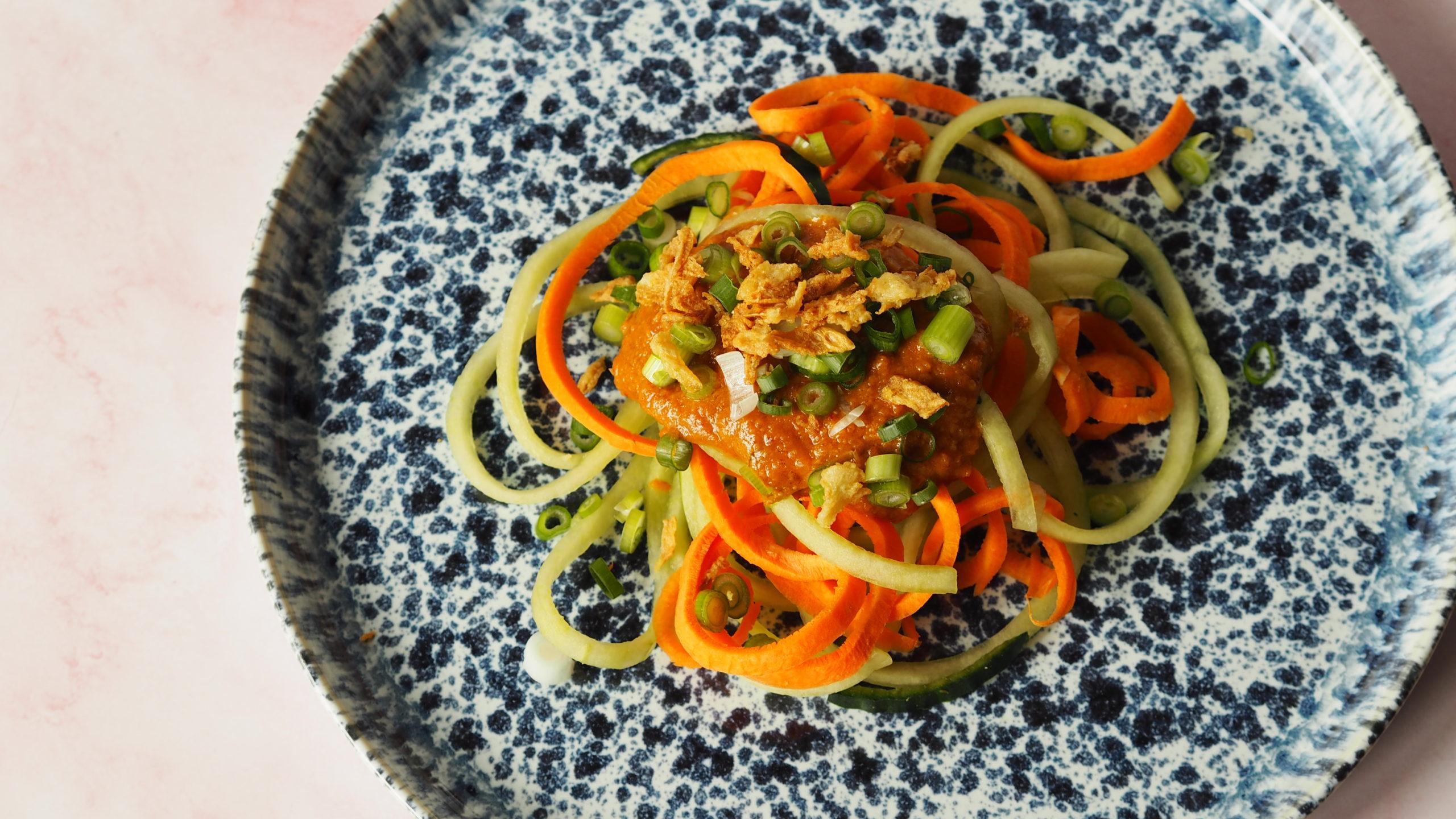 Druk druk druk: Spicy, Asian salade van groentenoodles én een persoonlijk bericht